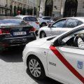 Uber y Cabify se enfrentan entre ellos tras el decreto a favor del taxi