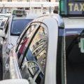 El taxi de Sevilla acuerda convocar un paro y una caravana en su lucha contra los VTC