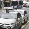 Los taxistas de Oviedo rechazan ir uniformados pero acceden a que se regule su vestimenta