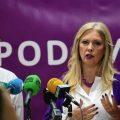 """Podemos defenderá al sector del taxi cordobés y denunciará la """"competencia desleal"""" de las VTC"""