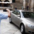 El alcalde de Ourense subasta su coche oficial porque a partir de ahora viajará en taxi