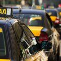 Las asociaciones del taxi del AMB emprenderán acciones legales contra las administraciones