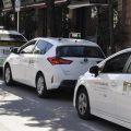 El pleno de Sevilla aprueba promover una ordenanza municipal para limitar el número de VTC