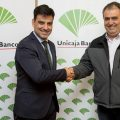Unicaja Banco renueva su convenio de colaboración con Radio Taxi Valladolid