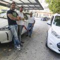 Los taxistas de Cáceres esperan a que sus clientas entren en el portal para prevenir agresiones