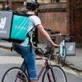 El Tribunal Superior de Madrid falla que los 'riders' de Deliveroo son falsos autónomos