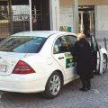 Atasco en la negociación del taxi andaluz para regular las VTC