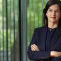 Sánchez pondrá al frente de la CNMC a Cani Fernández, una reconocida jurista