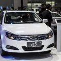 El Gobierno chileno subvencionará taxis eléctricos para reducir la niebla tóxica de Santiago
