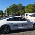 Un Porsche Taycan eléctrico, reconvertido en taxi, recorre las calles de la ciudad de A Coruña